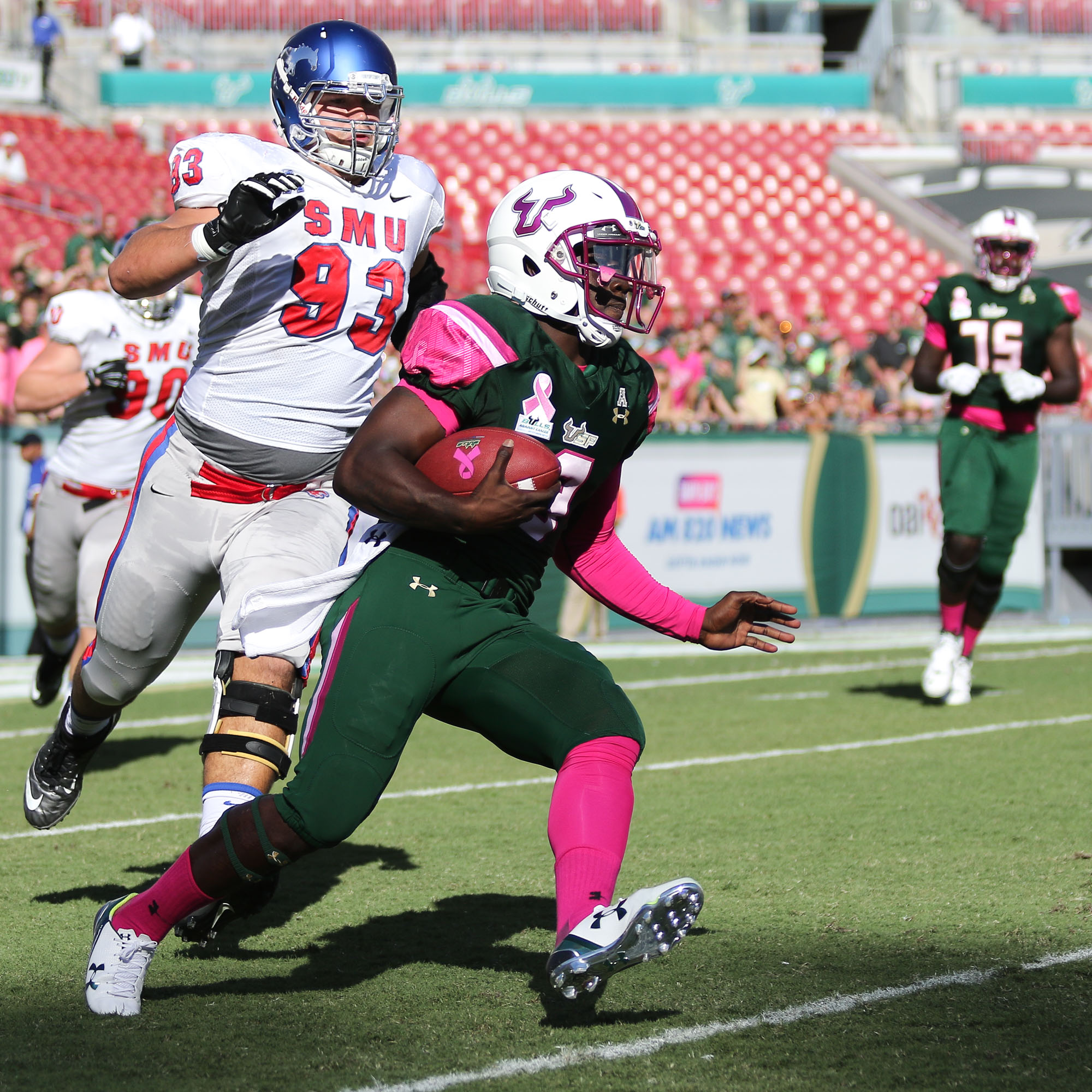 Flowers' 201 rushing yards set a single-game record for USF quarterbacks./ANDREW J. KRAMER