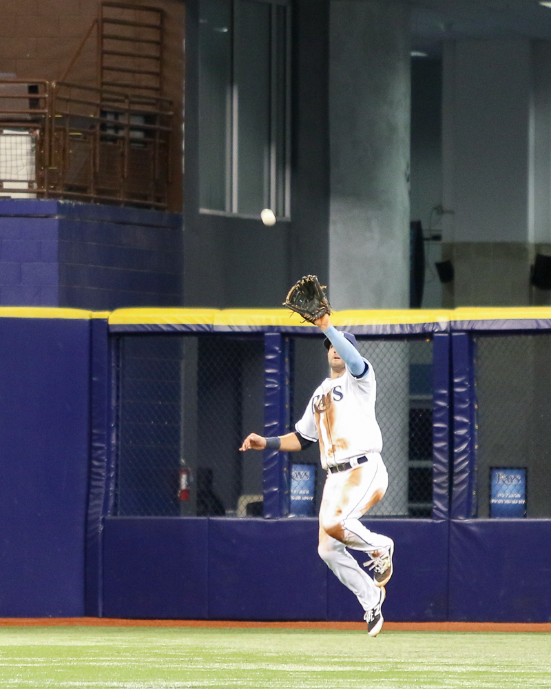 Kiermaier catches a line drive in the sixth inning./ANDREW J. KRAMER