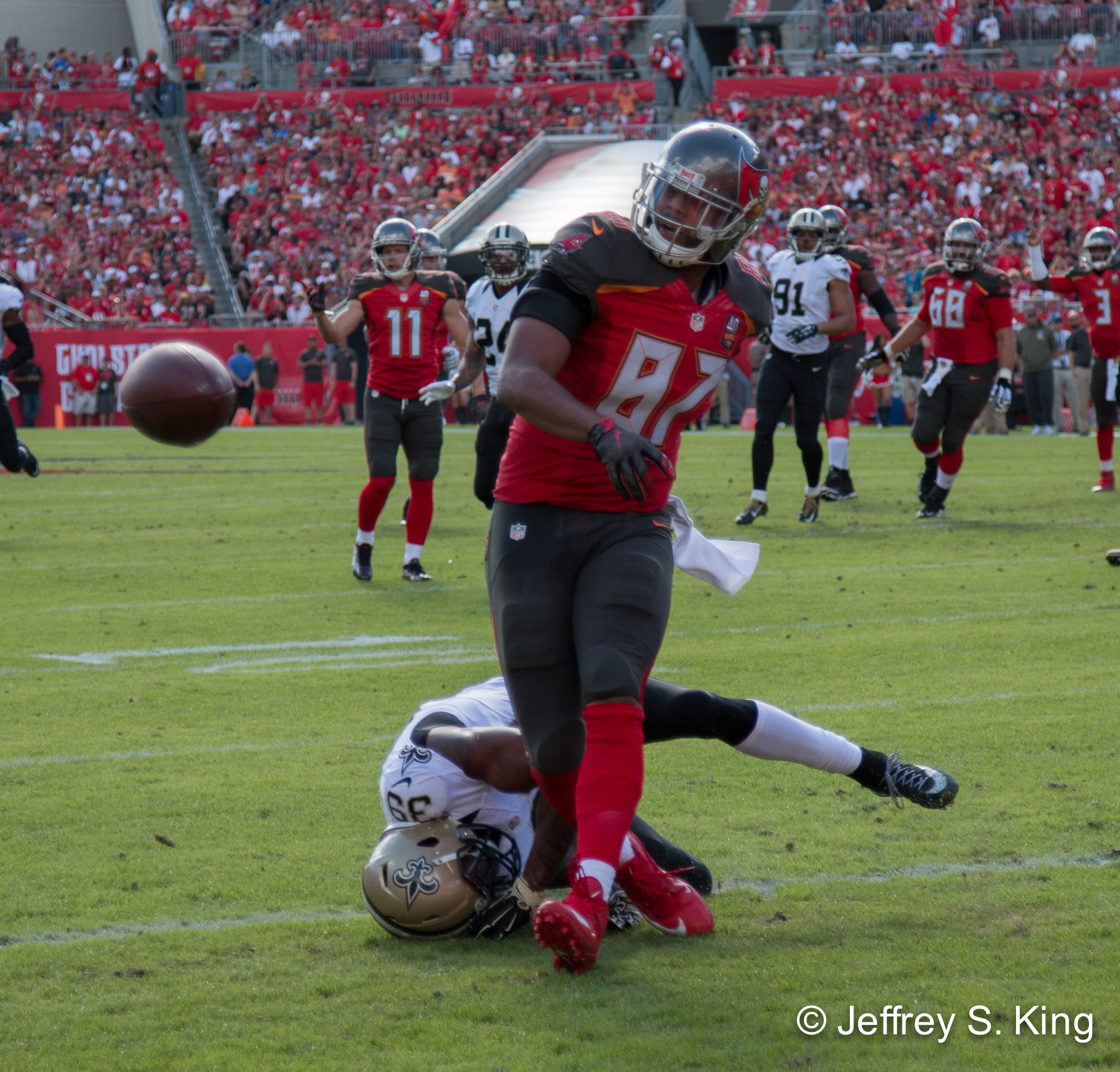 Seferian-Jenkins was more of a detriment than an asset in practice.