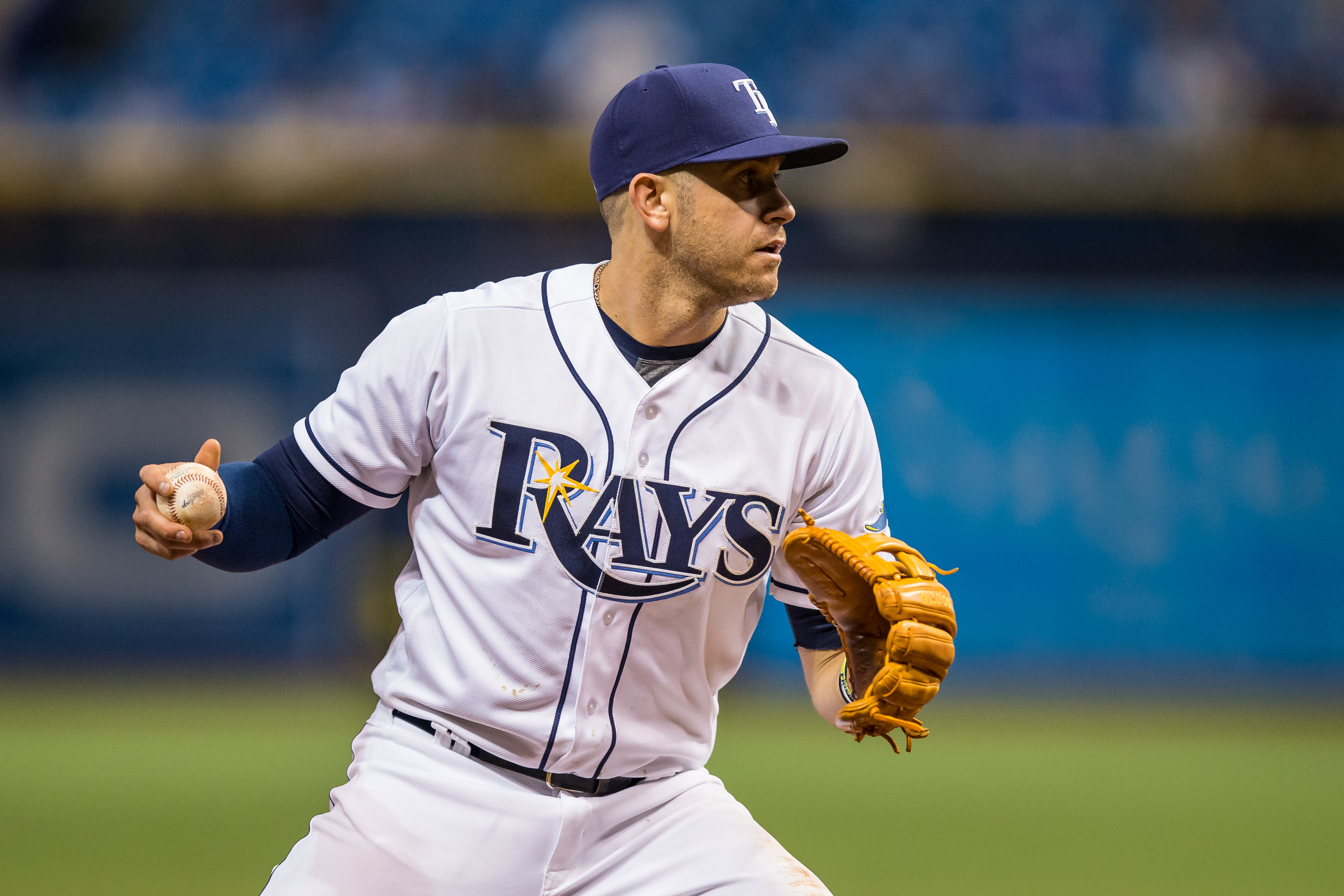 Longoria prepares to throw a runner out against Blue Jays.TRAVIS PENDERGRASS