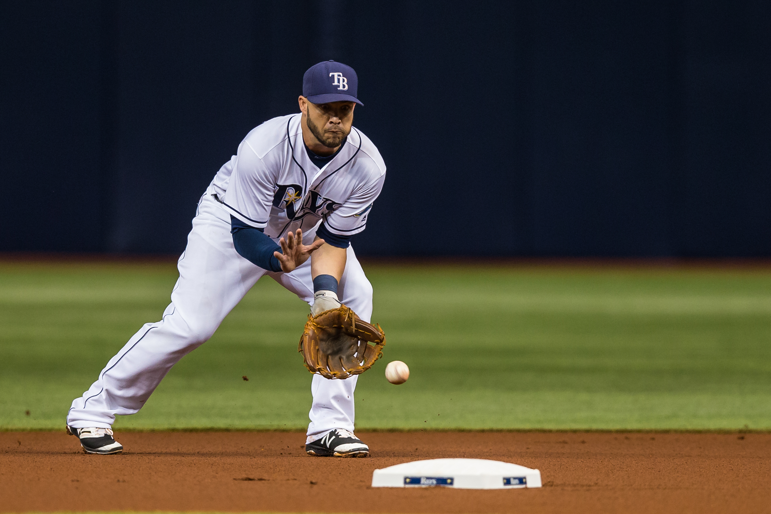 Pearce fields a ground ball for Rays./TRAVIS PENDERGRASS.