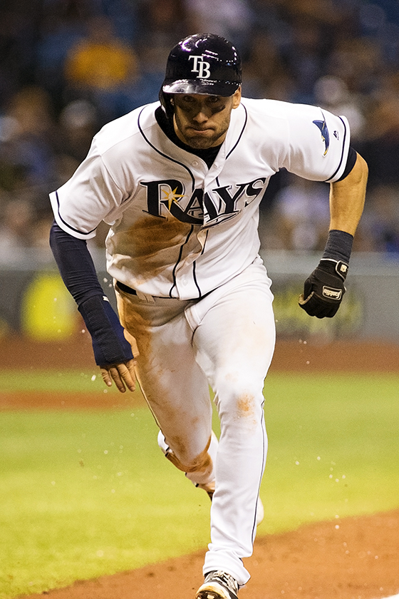 Kiermaier starting to warm up at the plate./CARMEN MANDATO