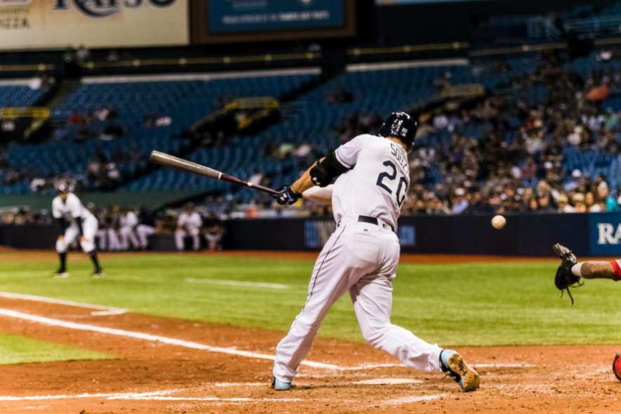 Souza strikes out with bases loaded./CARMEN MANDATO