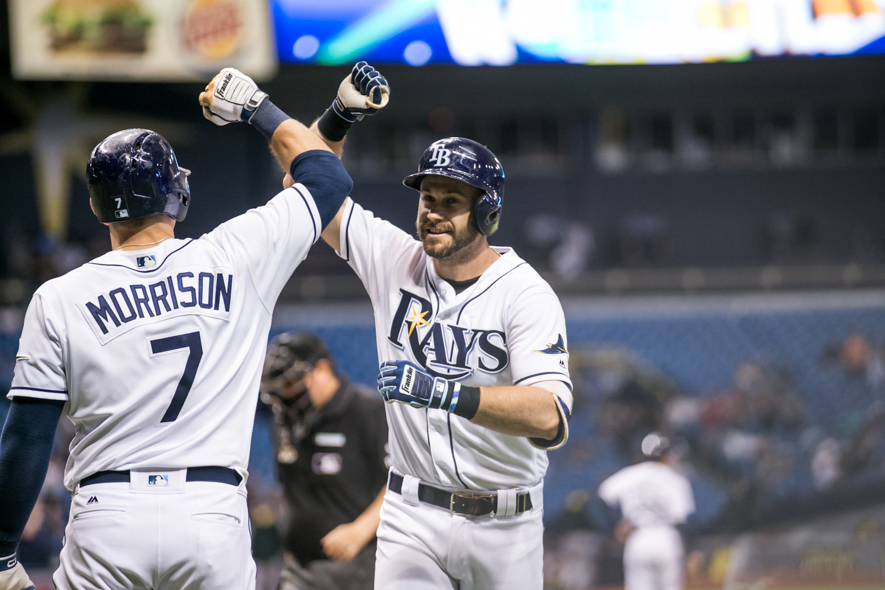 Longoria had five hits in the doubleheader./CARMEN MANDATO