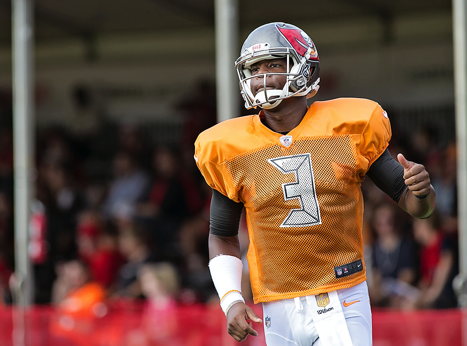 Winston has a lot of weapons with Bucs./CARMEN MANDATO