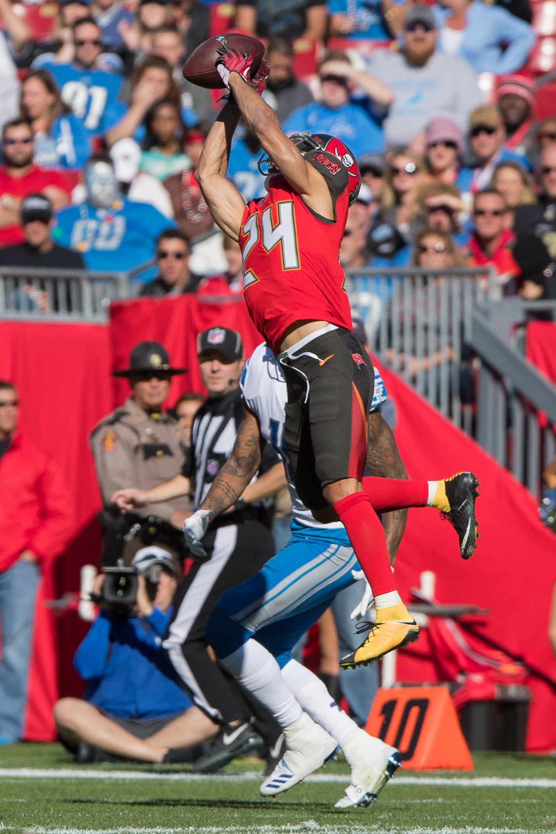 Brent Grimes intercepts a pass./STEVEN MUNCIE