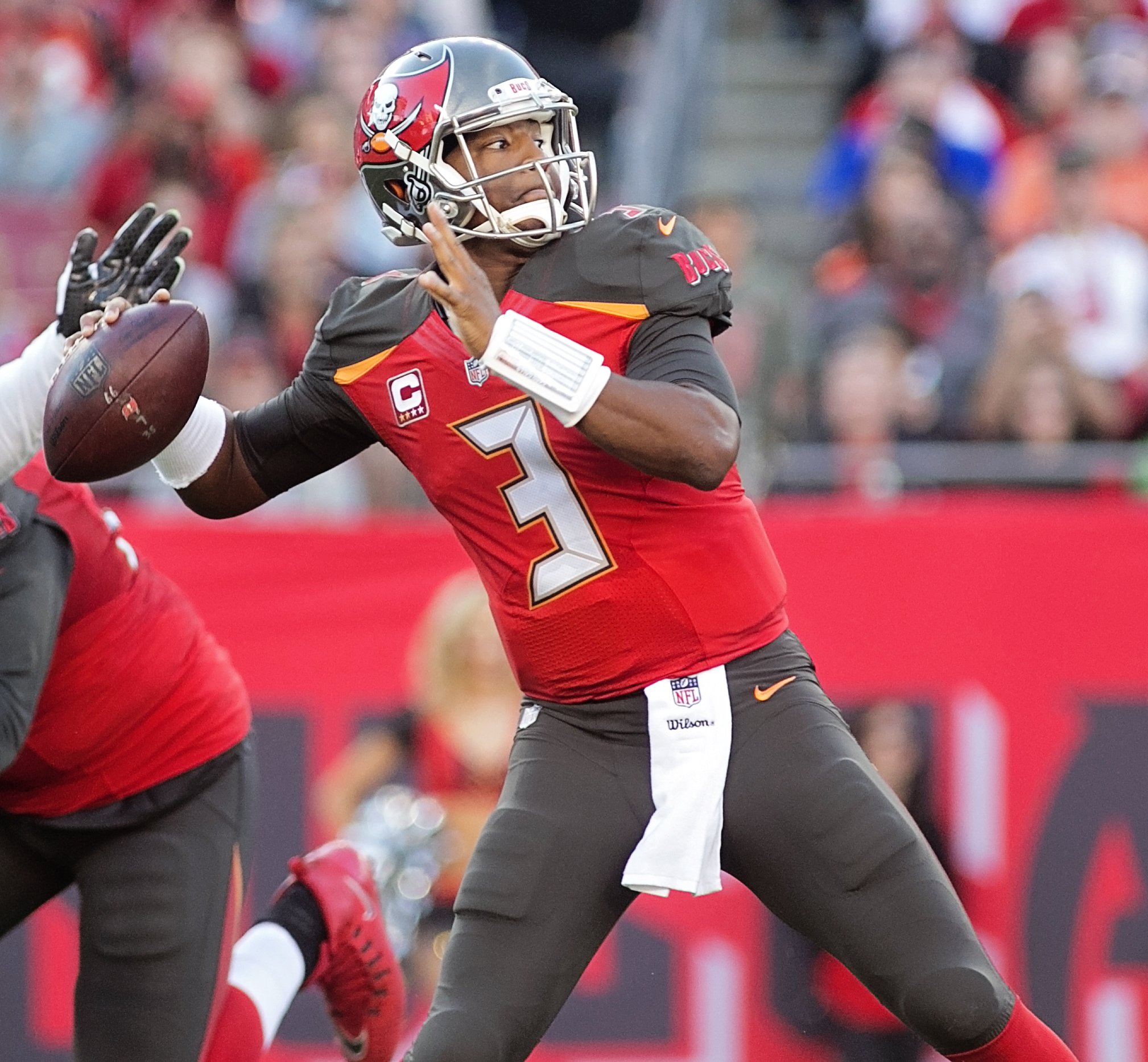 Why don't the Bucs made big strides?/CARMEN MANDATO