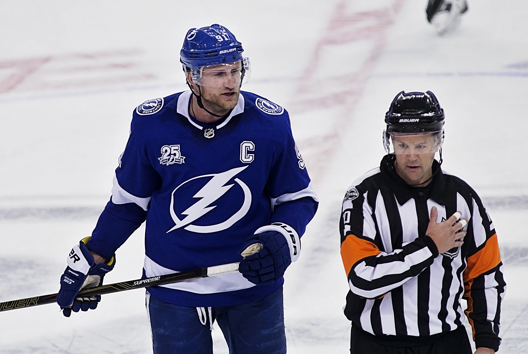 Stamkos argues that a disallowed goal should count./CARMEN MANDATO