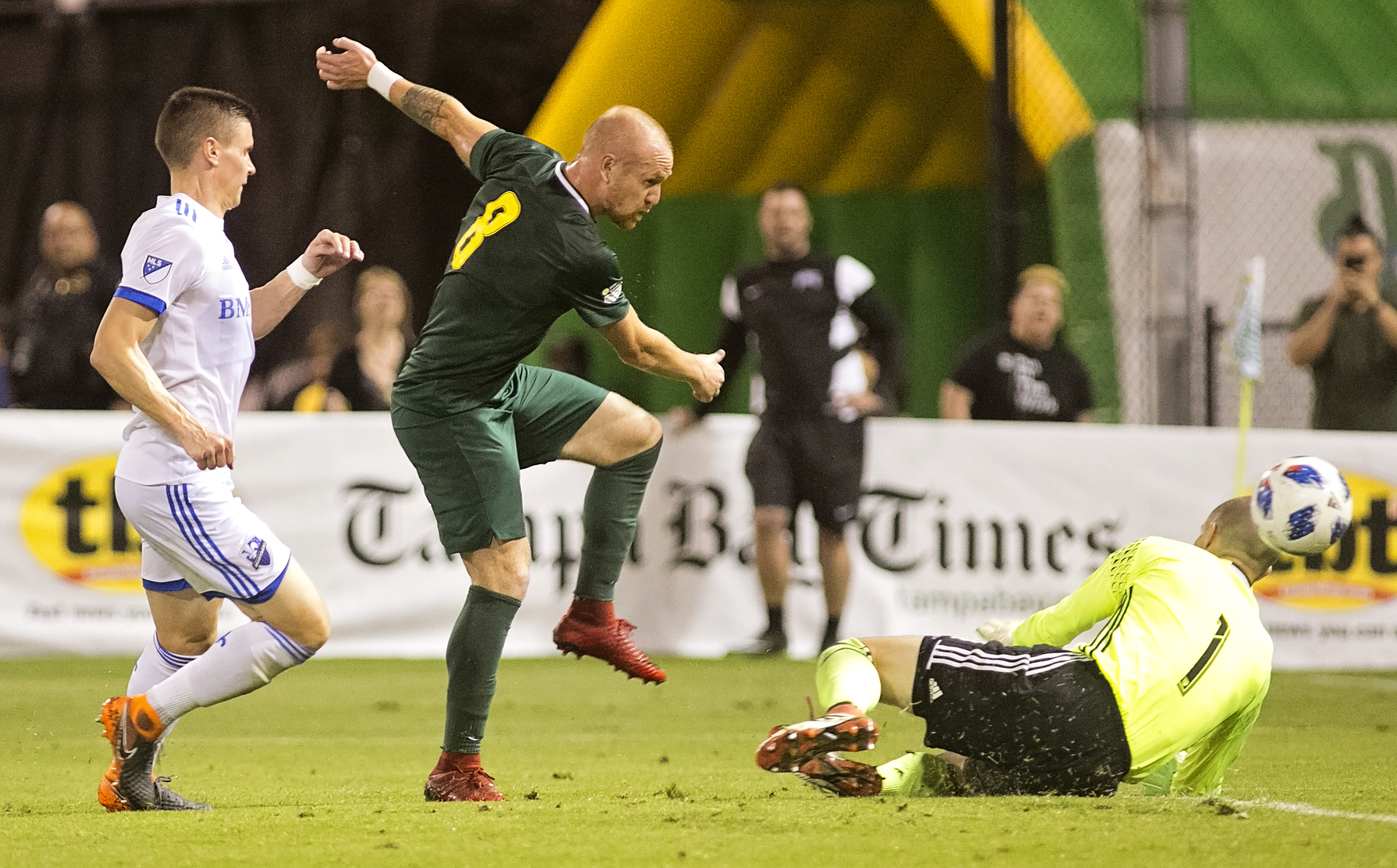 Jochen Graf goes airborne to score the first Rowdies goal./CARMEN MANDATO