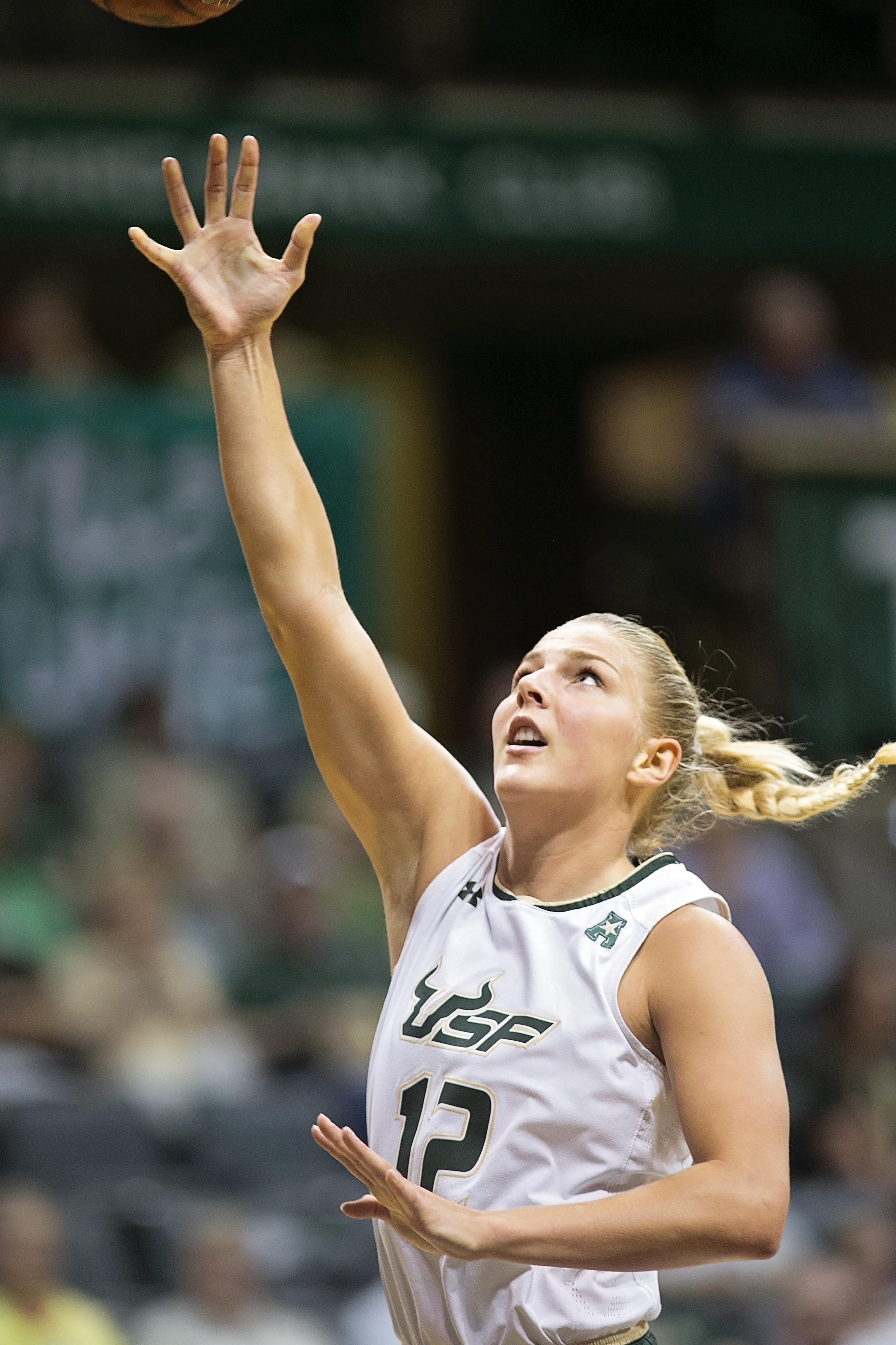 Jespersen had her 16th double-double of the season./CARMEN MANDATO