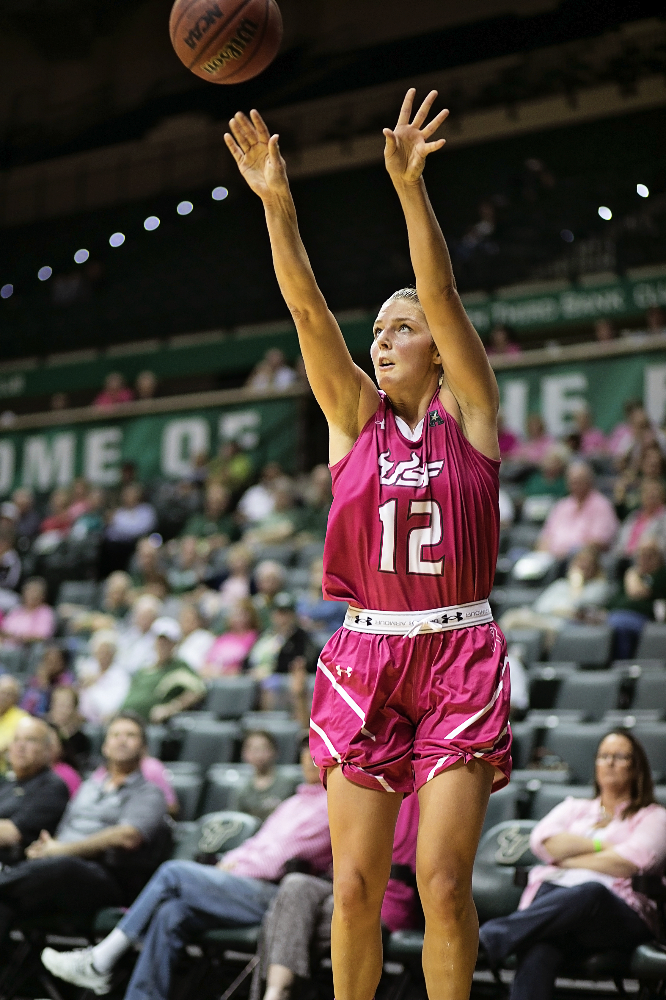 Jesperson had her14th double-double of the season./CARMEN MANDATO