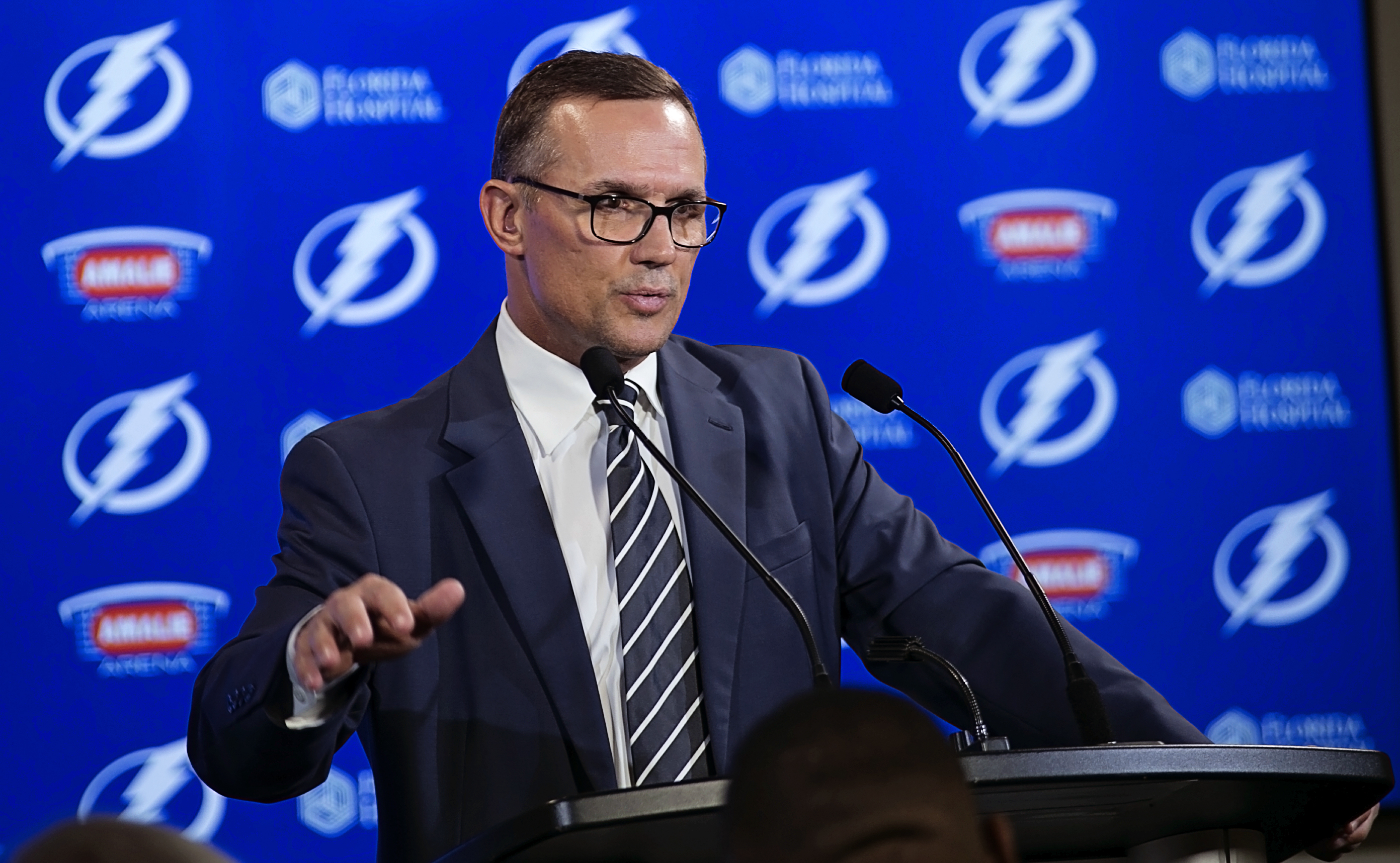 Yzerman made a deal that should help the Bolts./CARMEN MANDATO