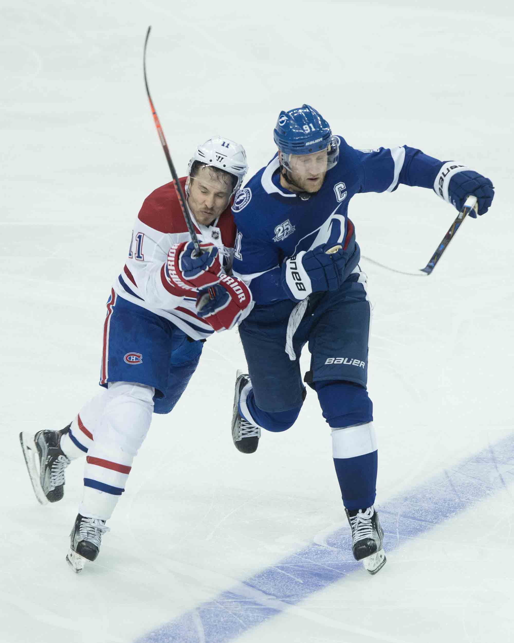 Steven Stamkos collides with Gallagher./STEVEN MUNCIE
