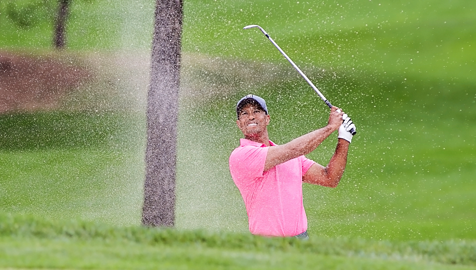 Woods is one back going into the final day at Valspar./CARMEN MANDATO