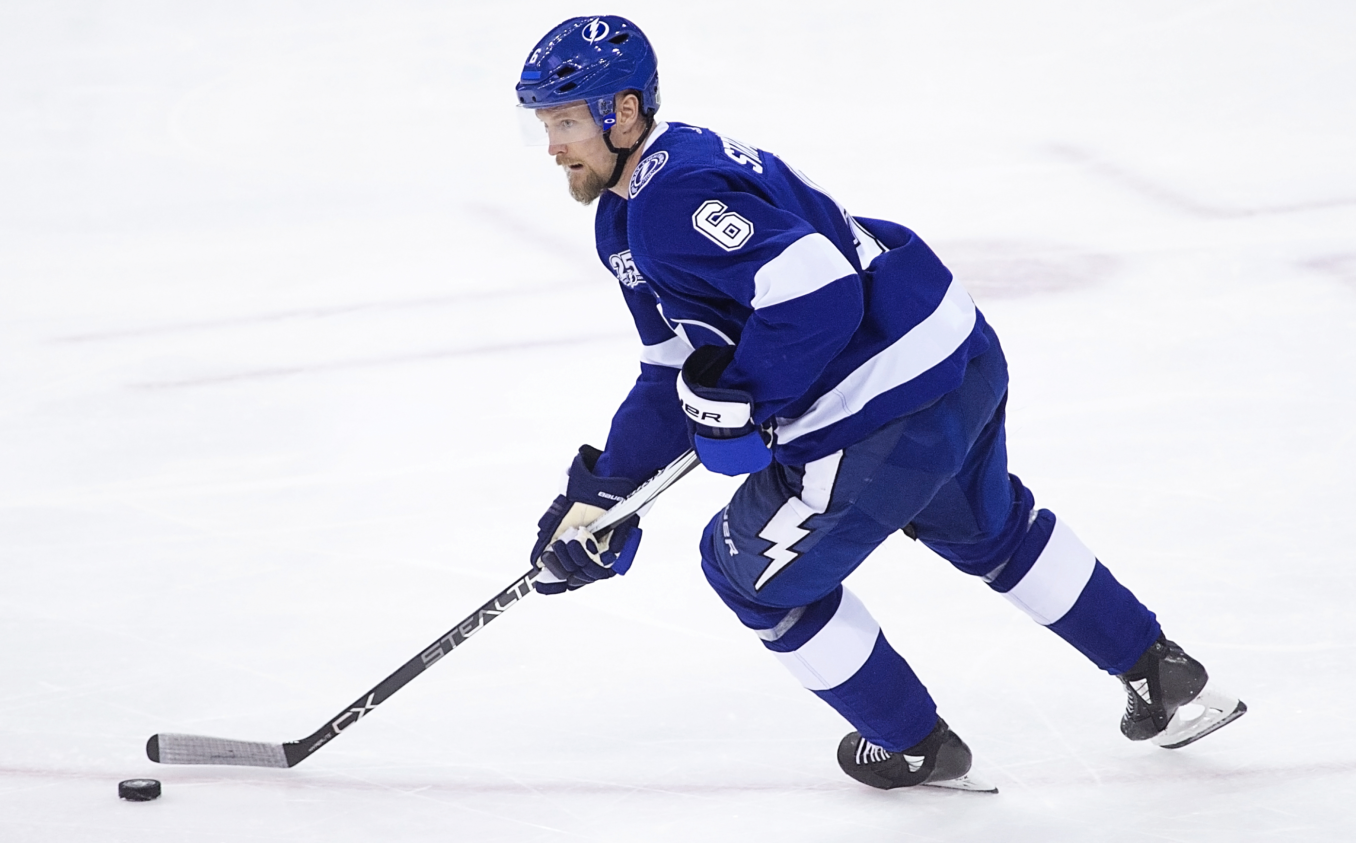 Stralman moves up the ice for Tampa Bay./CARMEN MANDATO