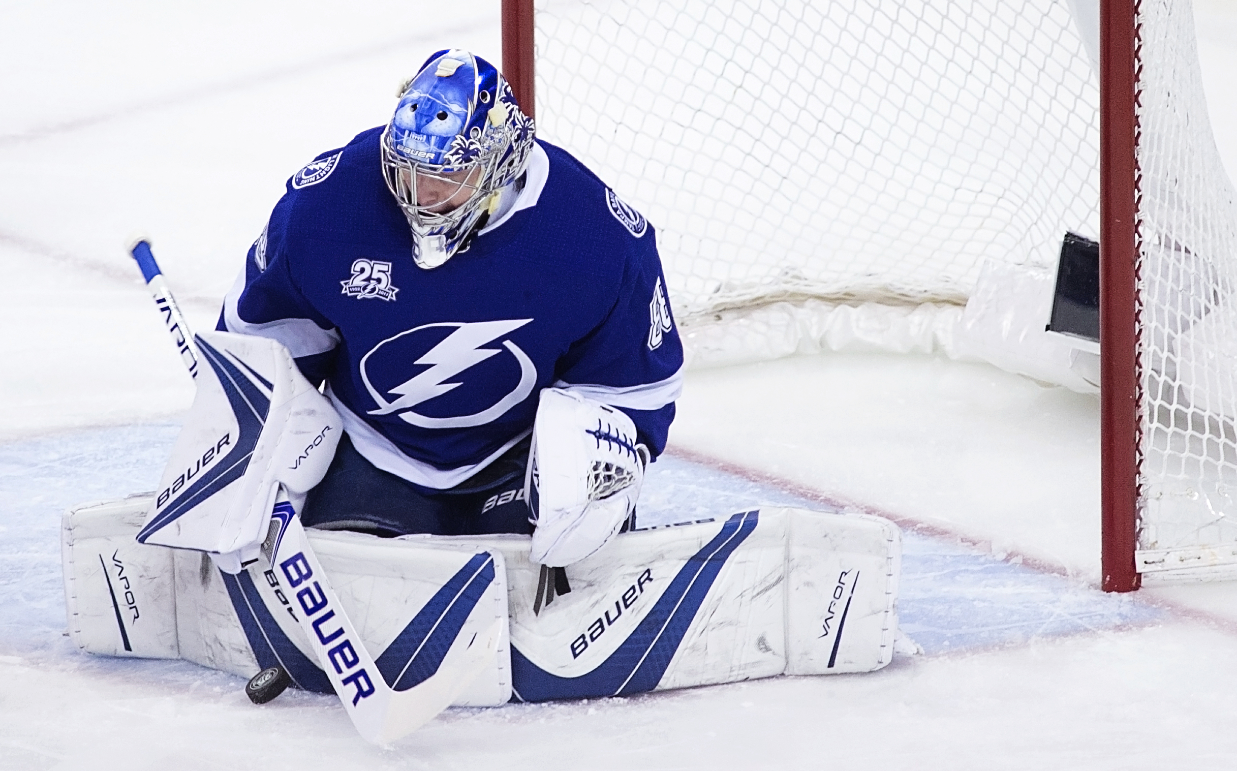 Vasilevskiy withstood a strong third period by the Devils./CARMEN MANDATO