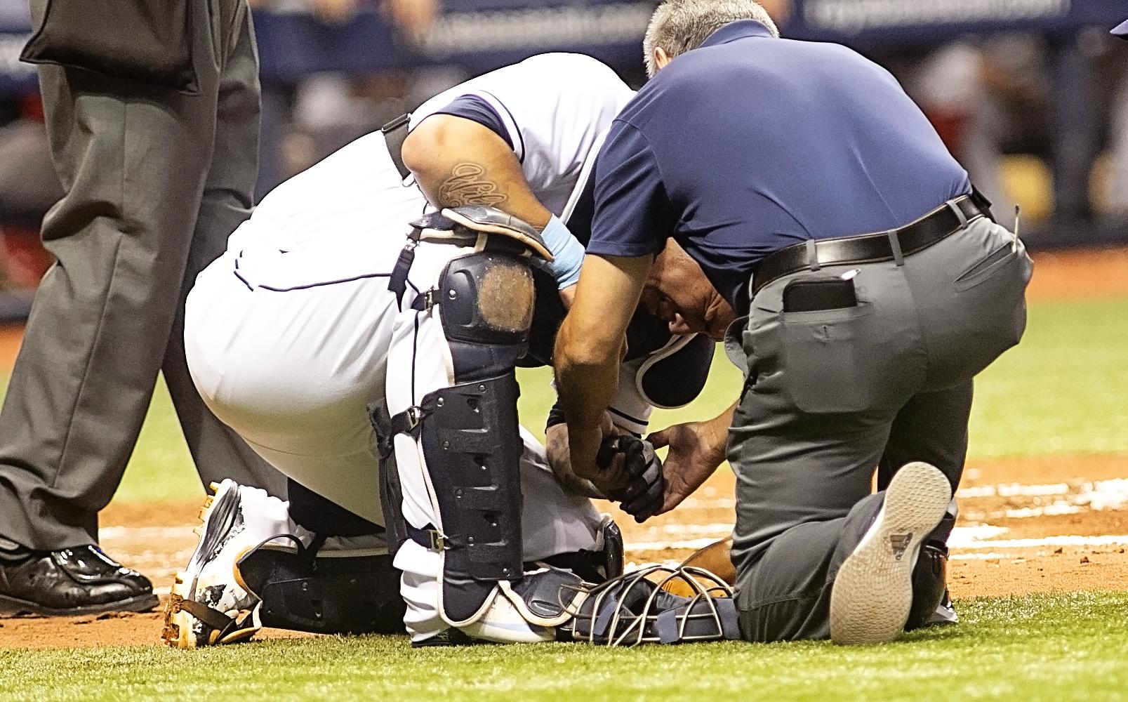 Ramos injured his hand in the third inning./CARMEN MANDATO