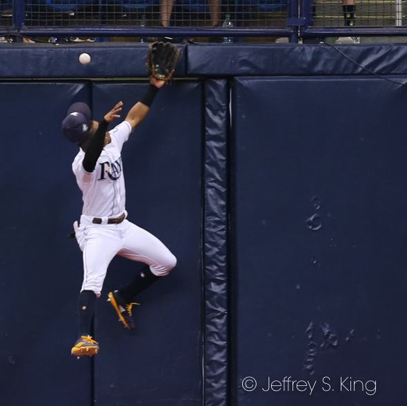 Mallex Smith tries to make a catch in center./JEFFREY S. KING