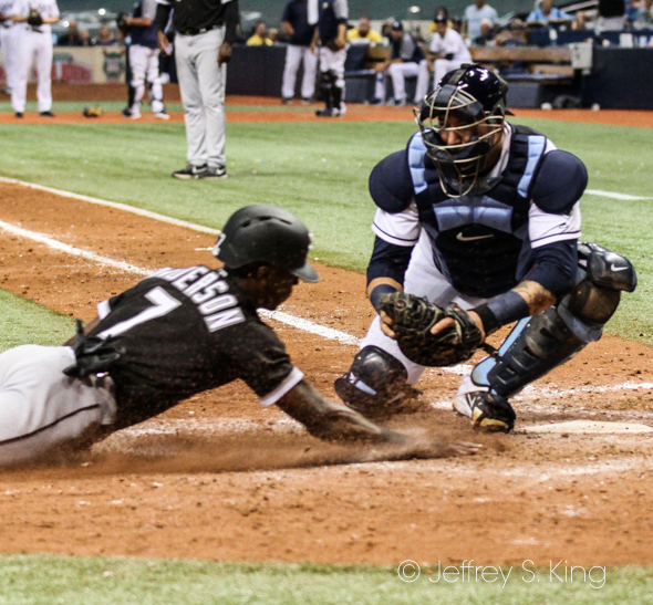 Sucre tags out Chicago's Anderson at home./JEFFREY S. KING